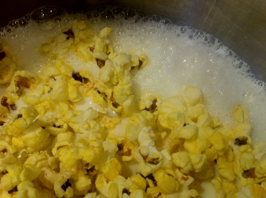Cooking popcorn in milk