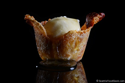 waffle ice cream in chicken skin cup