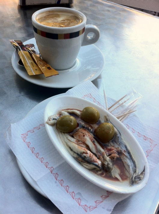 Cafe con leche y anchoas